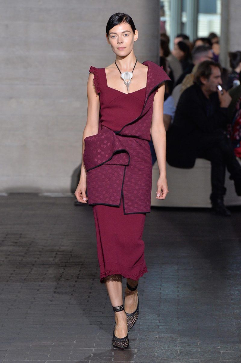 Empowered Elegance with Roland Mouret on the catwalk at London Fashion Week